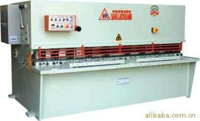 QC12Y系列数显液压摆式剪板机
