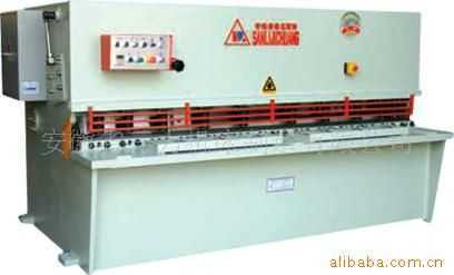 QC12Y系列数显液压剪板机