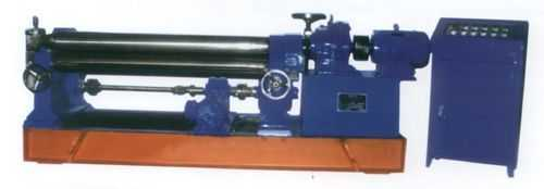 W11三辊非对称式卷板机