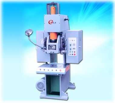 J96CY系列 高精度液压快速压力机
