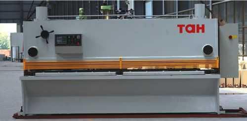 数控闸式剪板机