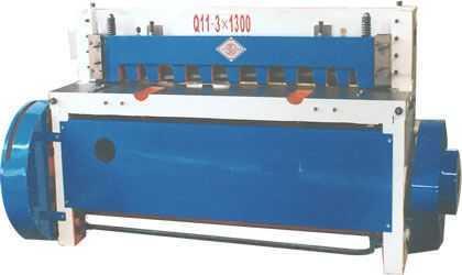 QA11-3x1300系列剪板机