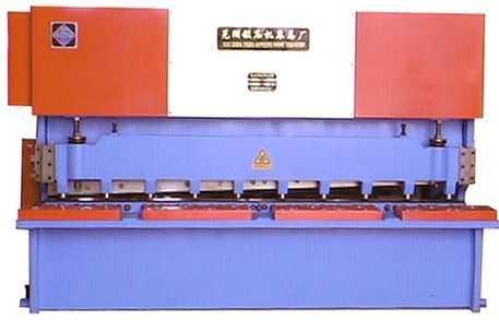 QB13D-6X2500型电动摆式剪板机