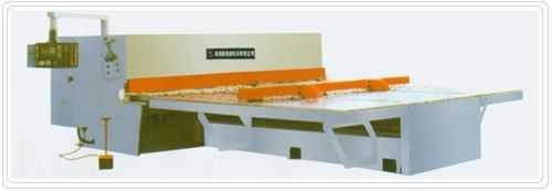QC12K系列数控前送料剪板机