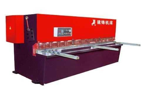 QC12K数控液压式摆式剪板机