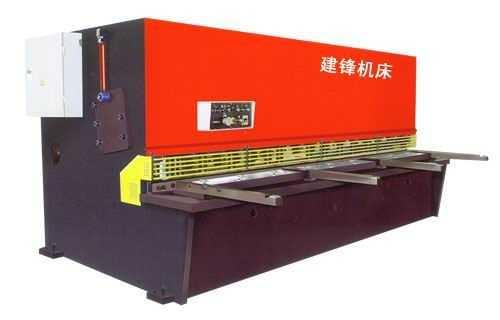 QC12Y液压式摆式剪板机