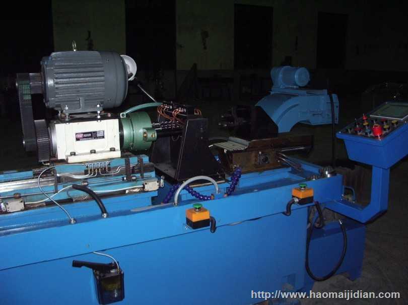 卧式7轴多段自动进刀钻孔机