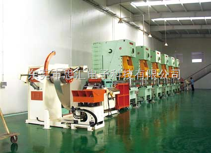 五金板材拉伸冲压生产线上下料机械手价格
